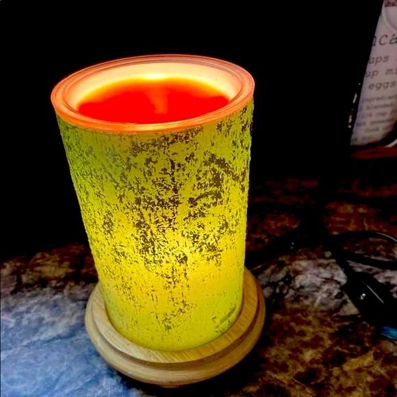 Mint green crackle simmer light